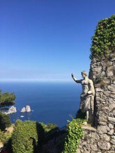 Capri słynna figura nad morzem